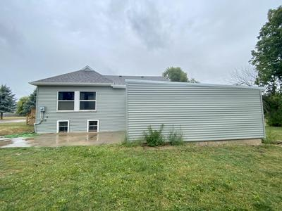 518 S 11TH ST, Estherville, IA 51334 - Photo 2
