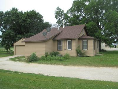 3102 MAIN ST, EMMETSBURG, IA 50536 - Photo 2