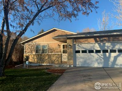 2935 19TH STREET DR, Greeley, CO 80634 - Photo 2