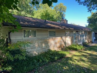 1919 EDISON RD, South Bend, IN 46637 - Photo 1