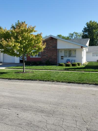 303 W 10TH ST, Auburn, IN 46706 - Photo 2