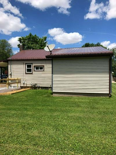 105 SOUTH ST, Waynetown, IN 47990 - Photo 2