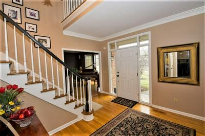 51050 QUAIL HOLLOW CT, GRANGER, IN 46530 - Photo 2