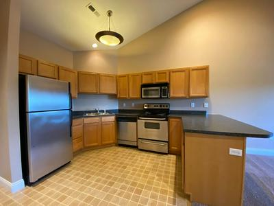 1304 W ARCH HAVEN AVE APT E, Bloomington, IN 47403 - Photo 2