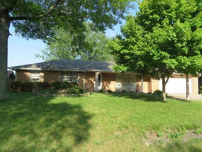 1306 N WILDWOOD LN, Muncie, IN 47304 - Photo 1