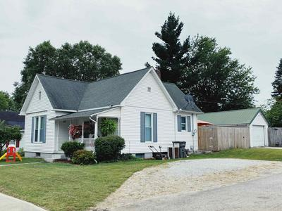 506 S FRANKLIN ST, Bloomfield, IN 47424 - Photo 2