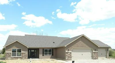 958 HICKORY CT, Decatur, IN 46733 - Photo 1