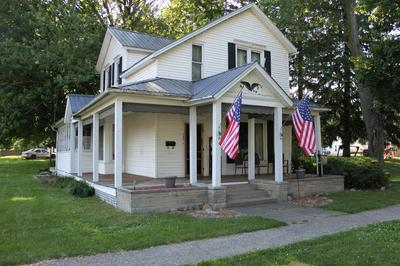303 N WASHINGTON ST, Bourbon, IN 46504 - Photo 2