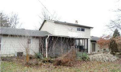 6600 E CHESTNUT ST, Evansville, IN 47715 - Photo 2