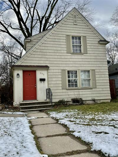 646 E FAIRVIEW AVE, South Bend, IN 46614 - Photo 1