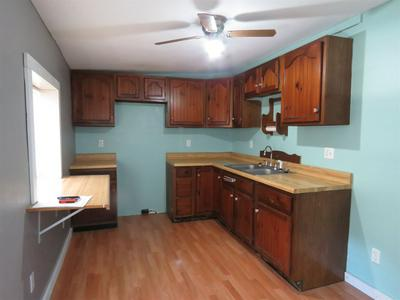 644 SIMON ST, Kendallville, IN 46755 - Photo 2