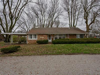 305 N JEFFERSON ST, OLNEY, IL 62450 - Photo 1