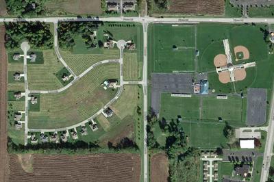 407 W DAYBREAK DR, Lakeville, IN 46536 - Photo 2