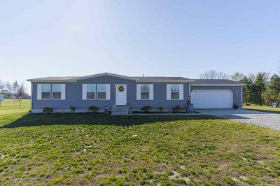 10886 E 1000 N, Kendallville, IN 46755 - Photo 1