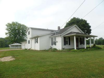 511 E SPRING ST, Bloomfield, IN 47424 - Photo 1