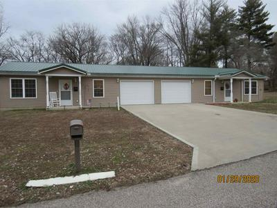 310 E SPRUCE ST # 308, Petersburg, IN 47567 - Photo 1