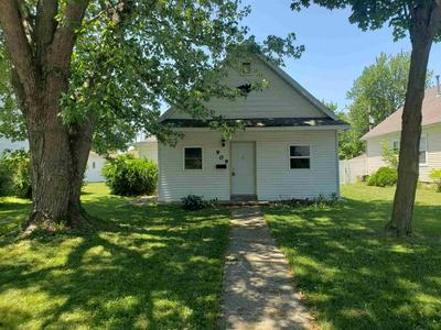 909 WALNUT ST, Decatur, IN 46733 - Photo 1