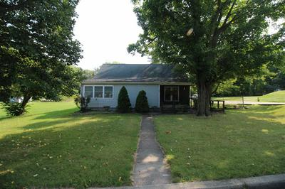 1221 GARDEN ST, Kendallville, IN 46755 - Photo 2