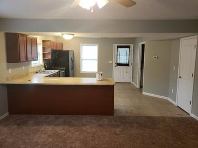 1250 W ADAMS HILL CIR APT 201, Bloomington, IN 47403 - Photo 2