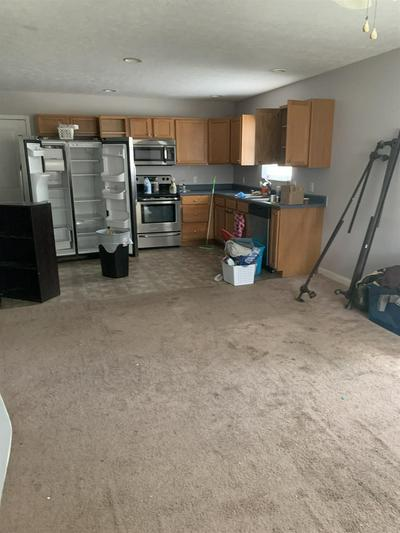 400 W KICKAPOO ST, Hartford City, IN 47348 - Photo 2
