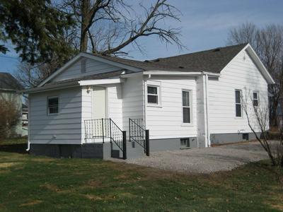 428 FREEMAN ST, Kendallville, IN 46755 - Photo 2