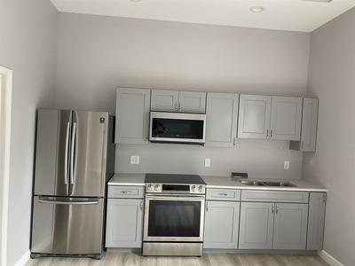 205 N WALNUT ST APT 1, Bloomington, IN 47404 - Photo 2