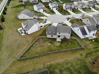 810 STOCKWILLOW CT, Huntertown, IN 46748 - Photo 2