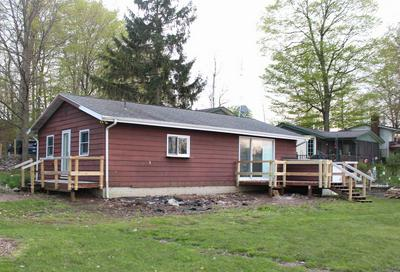 660 LANE 201 MCCLISH LK, Hudson, IN 46747 - Photo 1