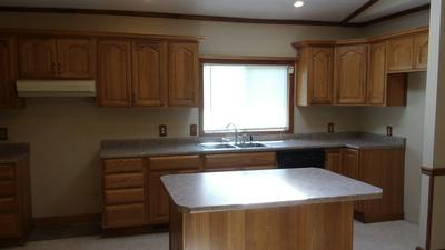 1333 W SOUTH ST, Bluffton, IN 46714 - Photo 2