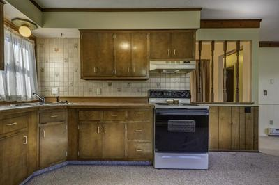 2903 VANCE AVE, FORT WAYNE, IN 46805 - Photo 2