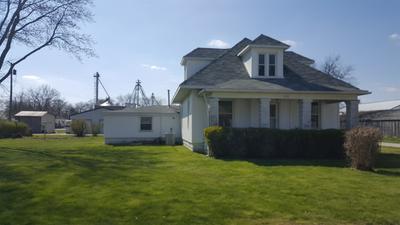 202 S BURKE ST, Wolcott, IN 47995 - Photo 1
