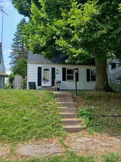 1745 JOHNSON ST, South Bend, IN 46628 - Photo 1
