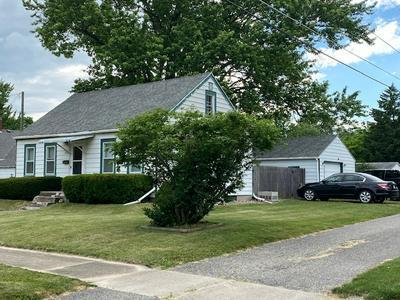 207 E GROVE ST, Kendallville, IN 46755 - Photo 2