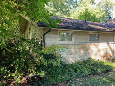 1919 EDISON RD, South Bend, IN 46637 - Photo 2