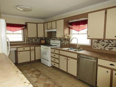 422 E DIAMOND ST, KENDALLVILLE, IN 46755 - Photo 2