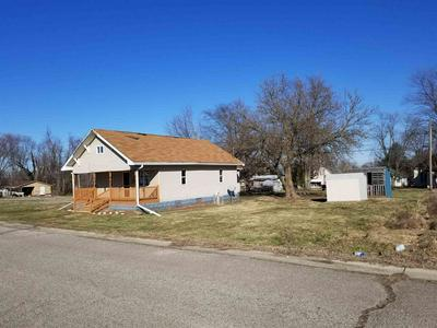 709 INDIANA ST, Bicknell, IN 47512 - Photo 2