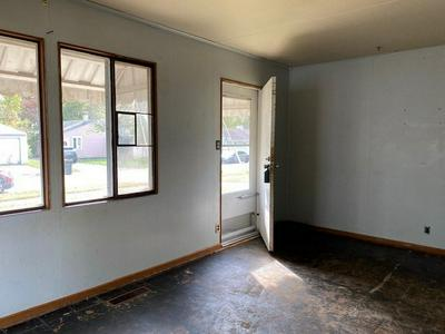 419 SHERWOOD AVE, South Bend, IN 46614 - Photo 2