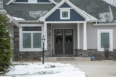 5554 DEER HOLLOW DR, South Bend, IN 46614 - Photo 2