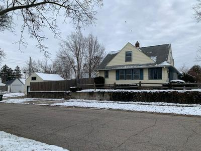 601 E FAIRVIEW AVE, South Bend, IN 46614 - Photo 2