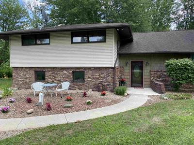 593 W CLEARWATER DR, Warsaw, IN 46582 - Photo 1