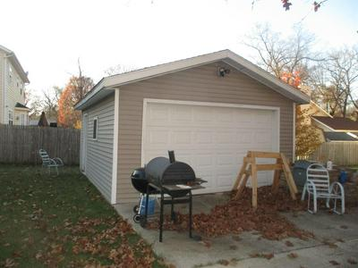 5027 LINDEN AVE, South Bend, IN 46619 - Photo 2