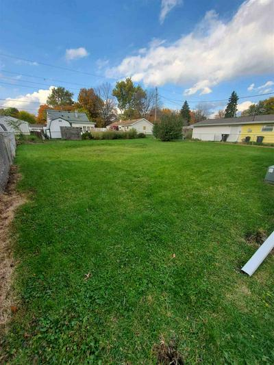 1309 CATHERWOOD DR, South Bend, IN 46614 - Photo 2