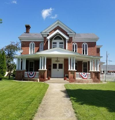 502 W WASHINGTON ST, Frankfort, IN 46041 - Photo 1