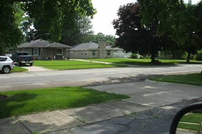 2214 E WASHINGTON ST, South Bend, IN 46615 - Photo 2