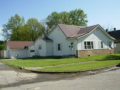 710 H ST NE, Linton, IN 47441 - Photo 1