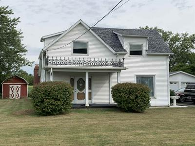 2102 W WATER ST, Hartford City, IN 47348 - Photo 1