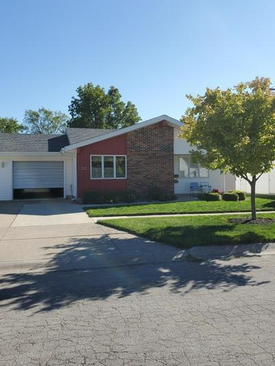 303 W 10TH ST, Auburn, IN 46706 - Photo 1