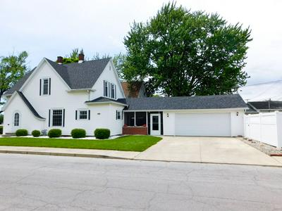 703 W CHERRY ST, Bluffton, IN 46714 - Photo 1