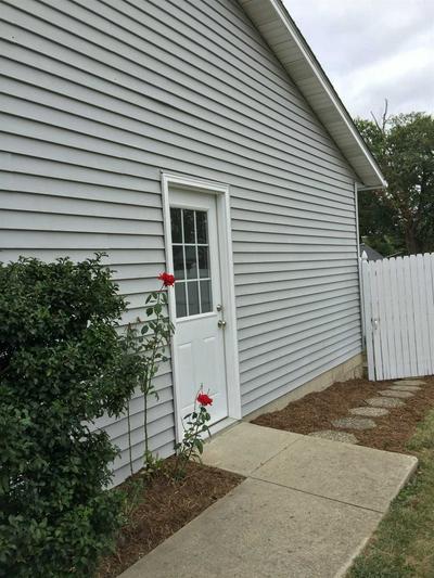 124 N MATTHEWS DR, Ellettsville, IN 47429 - Photo 2