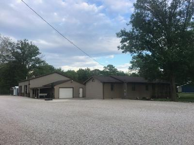 15448 FLAT BRANCH RD, Lawrenceville, IL 62439 - Photo 1